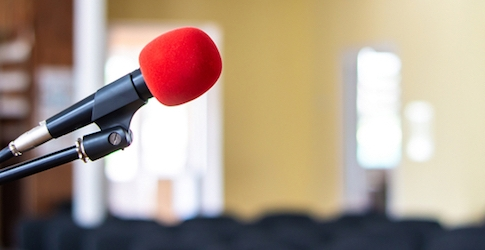 4 Simple Steps for Overcoming Your Fear of Public Speaking
